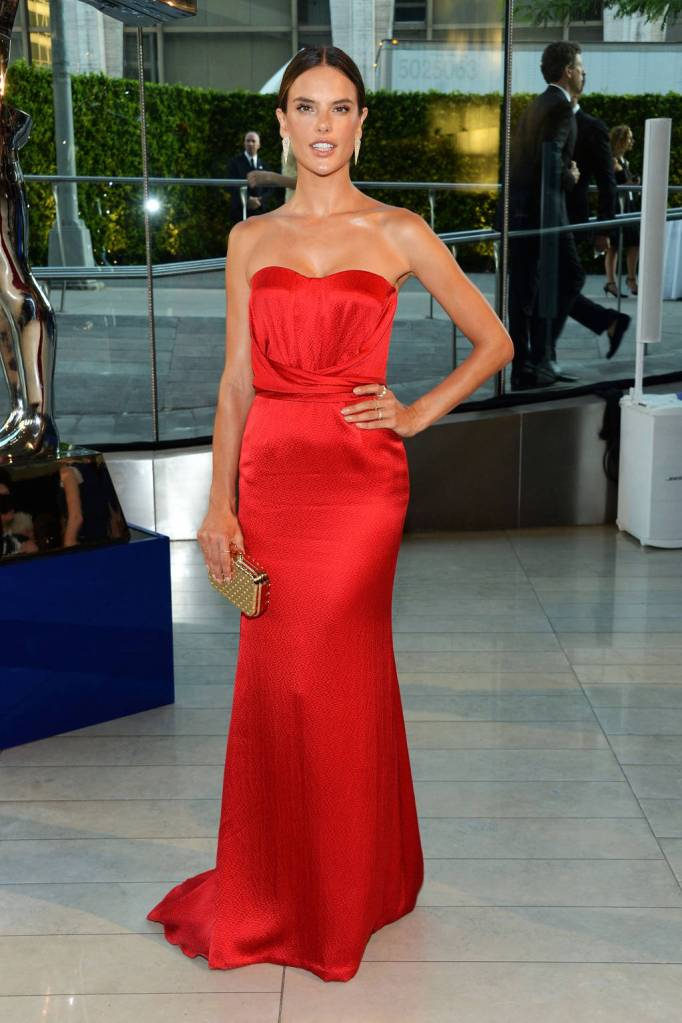 Alessandra Ambrosio in Nonoo looks striking in this red gown!