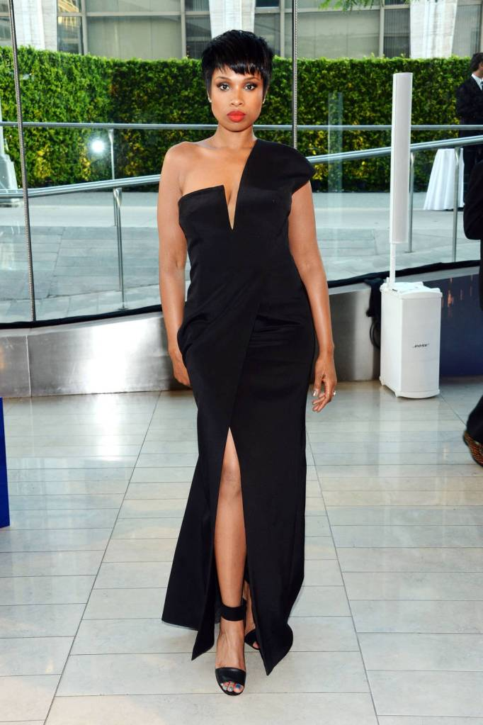 Jennifer Hudson looks extremely sexy and elegant in this Kaufmanfranco gown.
